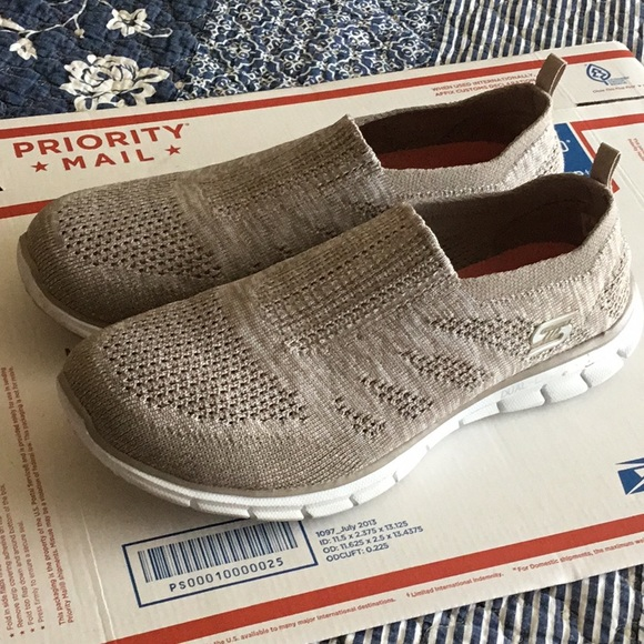 Skechers Dual Lite Knit Air Cooled